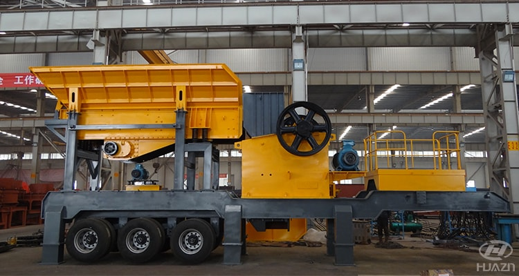 rubber tyred mobile crushing station